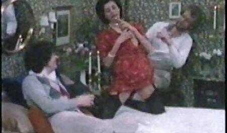 मेरी माँ की मदद की और सेक्सी मूवी एचडी हिंदी गुदा में मुर्गा हिला