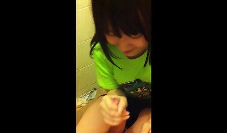 बेडरूम सेक्स विडियो हिंदी मूवी में उसके पैर स्नान के बाद किया गया था