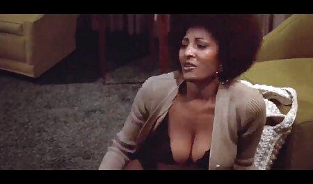 क्रॉस, आप बड़ी लड़की सेक्सी मूवी हिंदी फिल्म