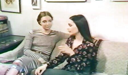 जूते में सेक्सी फुल मूवी वीडियो अपनी पत्नी के साथ