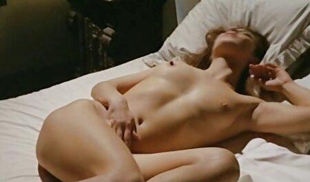 वेरा उसे एक फुल एचडी में सेक्सी मूवी अंतरंग केश देने के लिए उसे जाँघिया चलाता है
