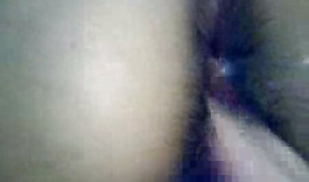 एक सेक्सी वीडियो मूवी हिंदी में सुंदर महिला के साथ जहाक
