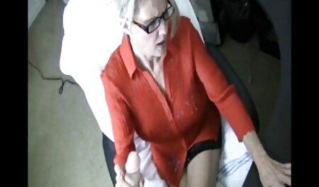 वह सेक्सी वीडियो मूवी पिक्चर उसके हाथ में एक कैमरा आयोजित किया है और यह की एक तस्वीर ली