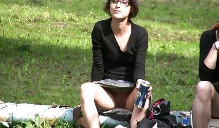 Gamers के लिए, काइली Paige बंद नहीं करता है पर नियंत्रण है, जबकि वह हिंदी सेक्सी फुल मूवी बतख और लगातार इस खेल को देखने