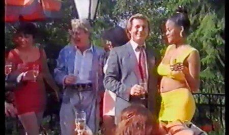 एक टोपी में एक सेक्सी पिक्चर मूवी हिंदी लड़का पेप्शान में केटी के साथ लिया जाता है और उसकी जीभ के साथ टैग किया गया है