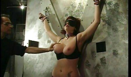 गर्लफ्रेंड जंगल में एक कार की छत पर सेक्सी मूवी दिखाइए हिंदी में एक दूसरे से मिलने